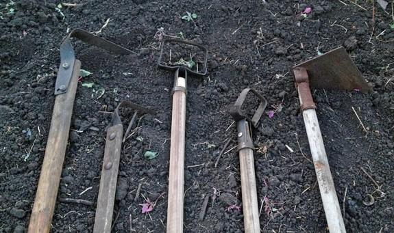 Выбираем инструмент для удаления сорняков