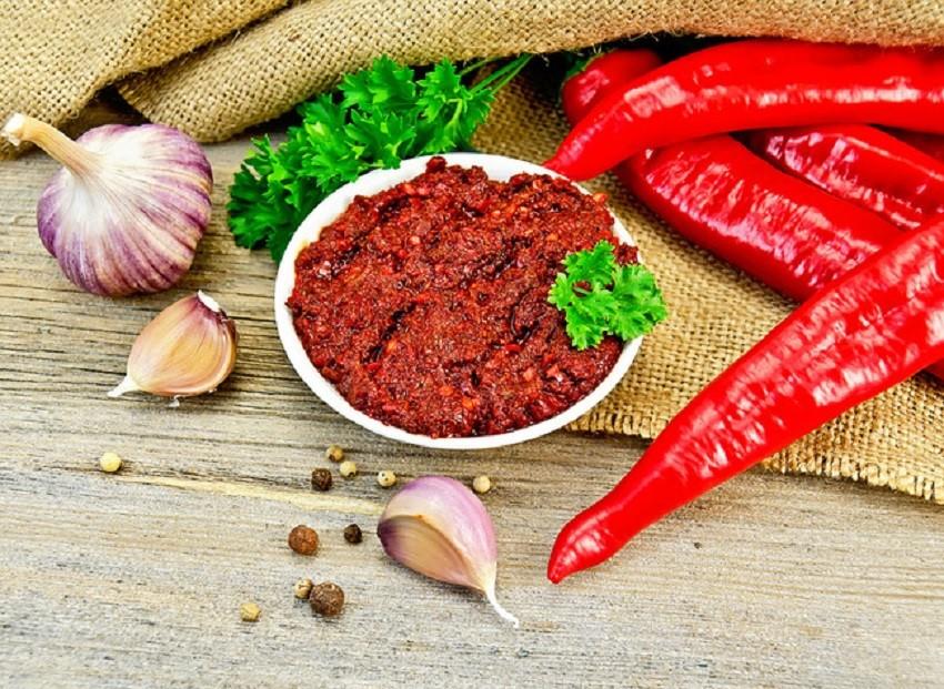 Заготовка острого перца по грузински