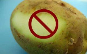 Почему зеленеет картофель