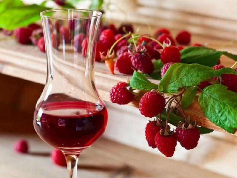Вино из малины в домашних условиях: простые рецепты