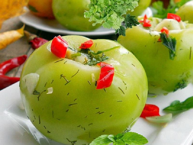 Квашеные зеленые помидоры на зиму в кастрюле и банках: рецепты быстрого приготовления с фото