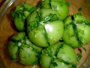 Квашеные зеленые помидоры с начинкой