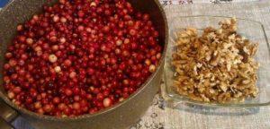Простой рецепт варенья из клюквы на зиму