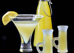 Лимонная настойка: на спирту, на водке, польза и вред