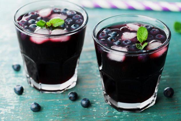Черничный компот на зиму и на каждый день: из замороженных, свежих ягод, польза