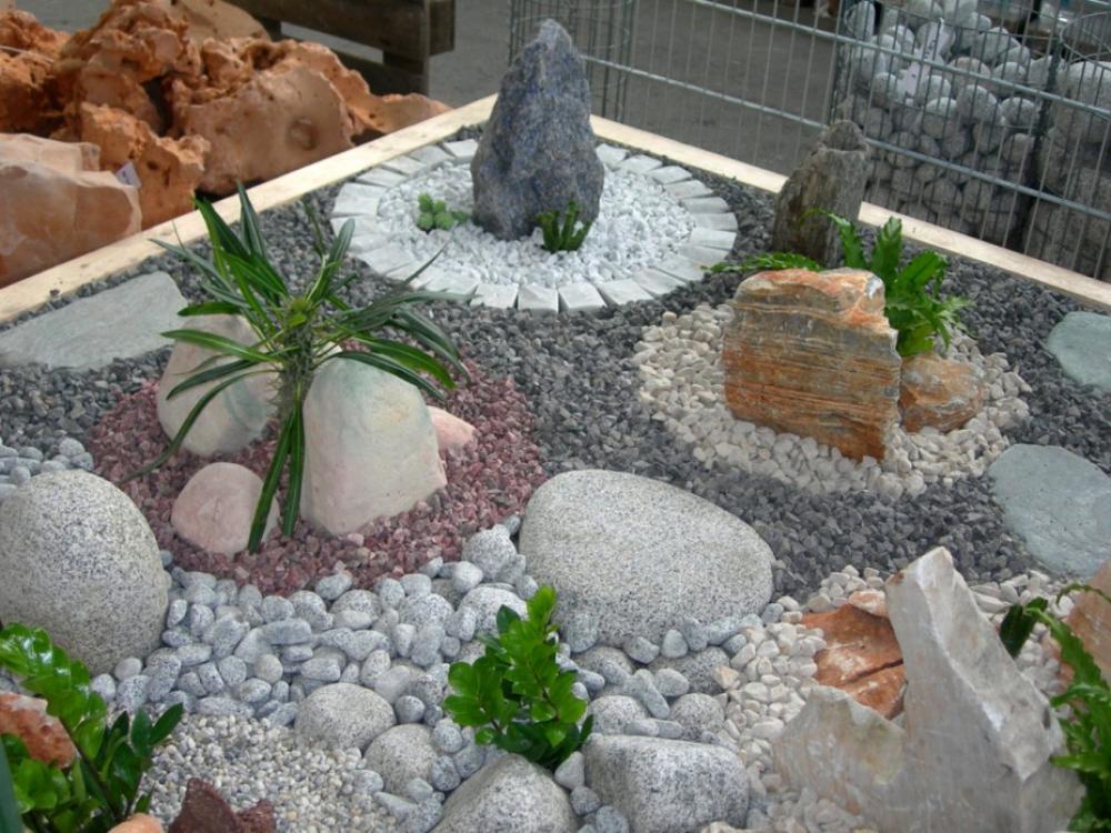Как камнями оформить цветник
