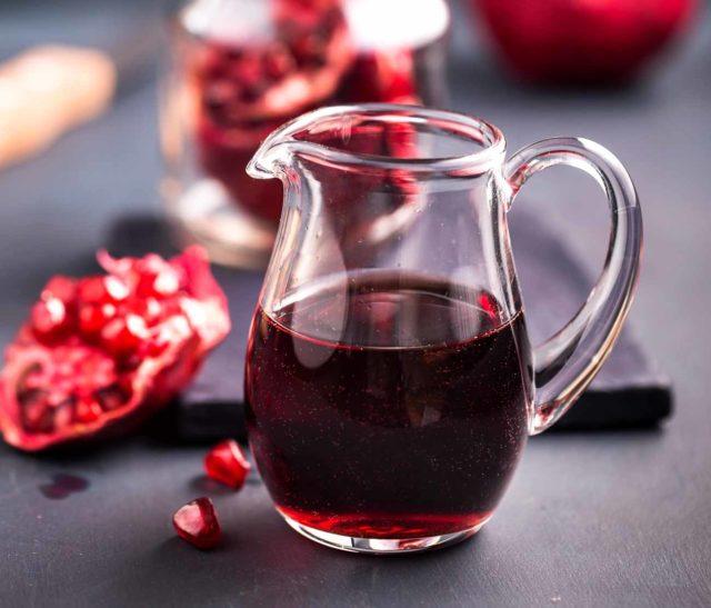 Сколько железа в гранате на 100 грамм: как принимать гранатовый сок при анемии