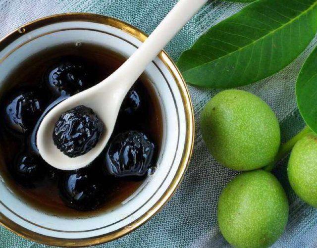 Варенье из зеленых грецких орехов: рецепты, польза и вред